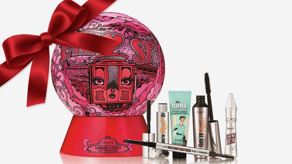 30 Holiday Gift Sets That Will Impress Any Beauty Lover