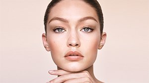 This Is Why Gigi Hadid's Nude Lipstick Always Looks Perfect