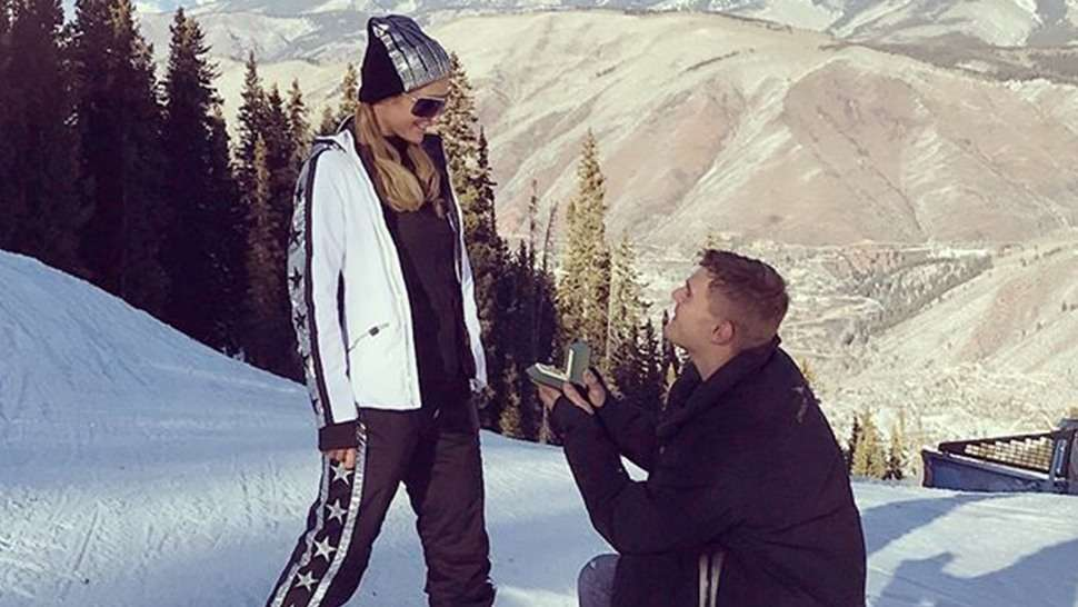 You Won't Believe the Size of Paris Hilton's Engagement Ring