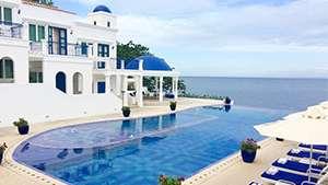 5 Local Resorts That Look Like Santorini, Maldives, Bali And More