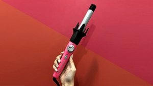 Review: This Self-curling Iron Will Give You Dreamy Waves In 5 Minutes