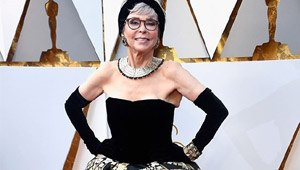 This 56-year-old Pitoy Moreno Gown Made A Reappearance At The Oscars