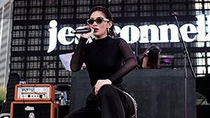 Lotd: How To Cop Jess Connelly's Wanderland Stage Outfit