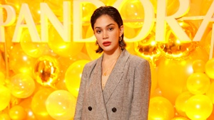 Our Fave Gold-accented Looks From Pandora's Do Shine Bright Event