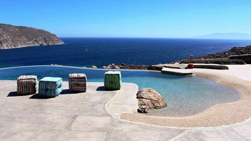 6 Airbnbs Around The World With Instagram-famous Pools