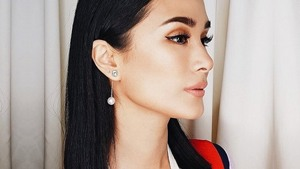 Lotd: This Minimal Earrings Combo Looks Amazing On Heart Evangelista
