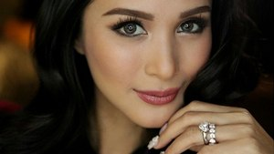 5 Local Celebs With Stunningly Large Engagement Rings
