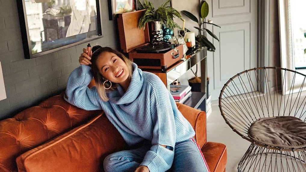 You Have To See Laureen Uy's Tropical Luxe Condo
