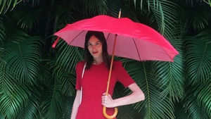 How To Pose With An Umbrella For Your Next #ootd