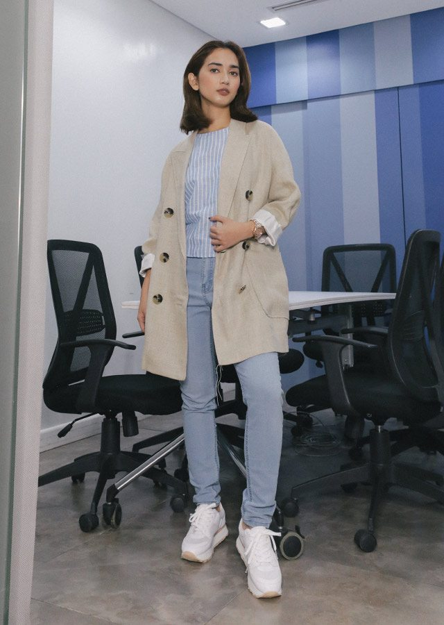 Stylish Ways To Wear Sneakers To The Office