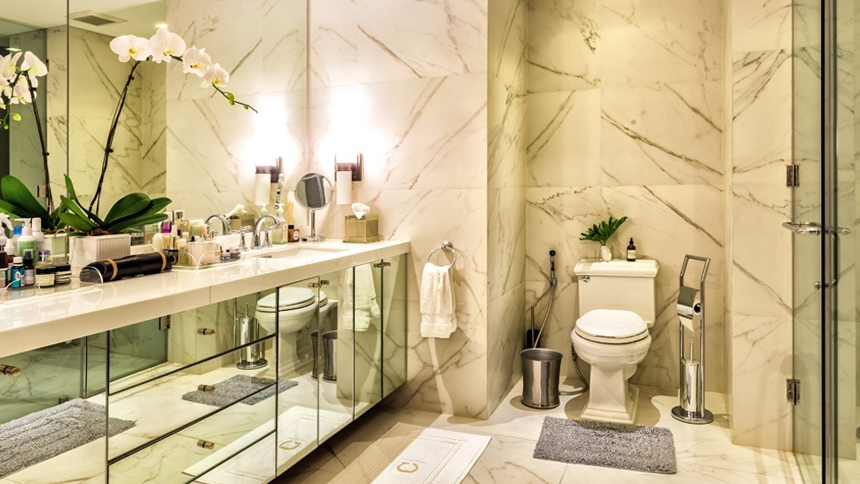10 Must-See Celebrity Bathrooms
