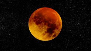 What This Weekend's Blood Moon Means, According To An Astrologer