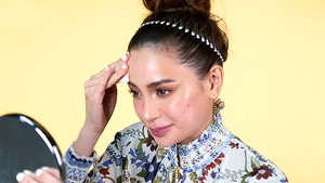 You Have To Watch Arci Muñoz Removing All Her Makeup