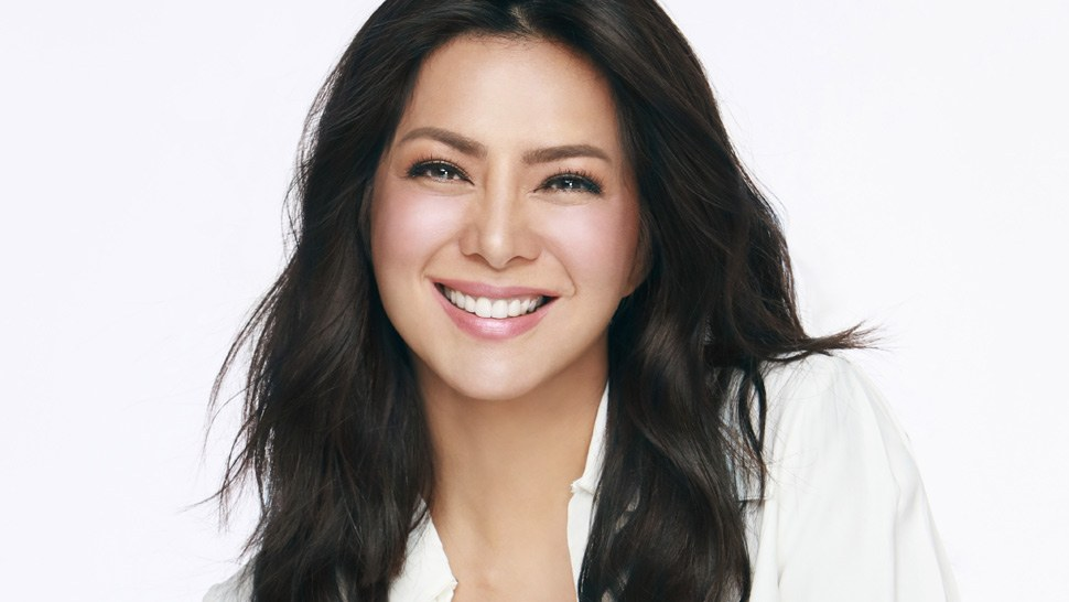 Here's Everything Alice Dixson Does To Achieve Great Skin At 49