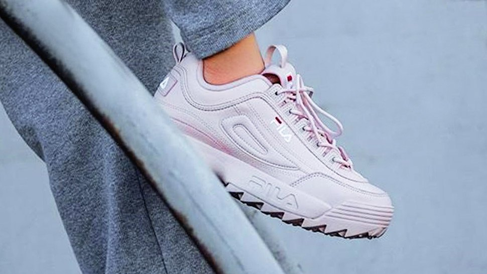 Lotd: This Is The Pink Retro Sneaker Cool Girls Are Wearing On Instagram