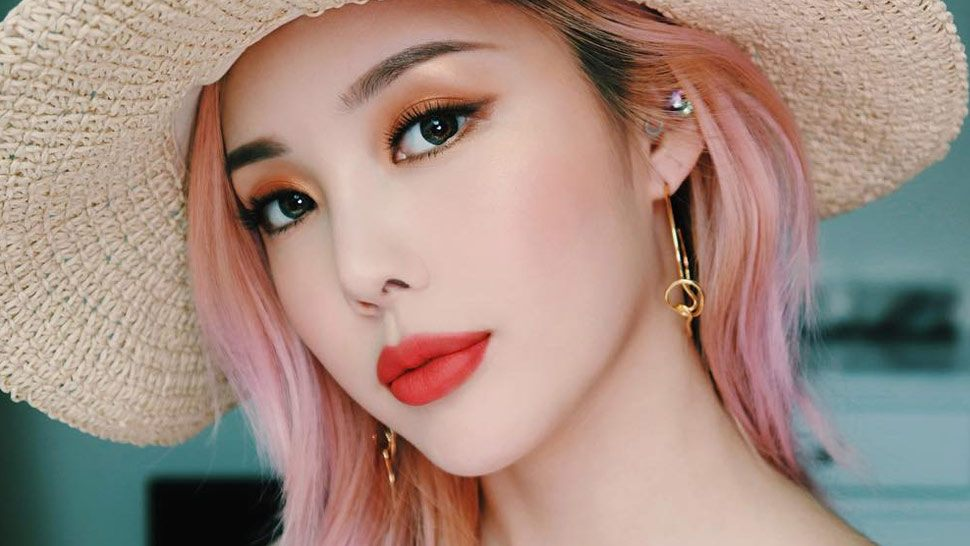 This Korean Makeup Artist Has a Trick to Make Blush Look More Natural