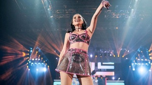 Anne Curtis Dazzles Araneta With Her Outfits For The Annekulit Concert