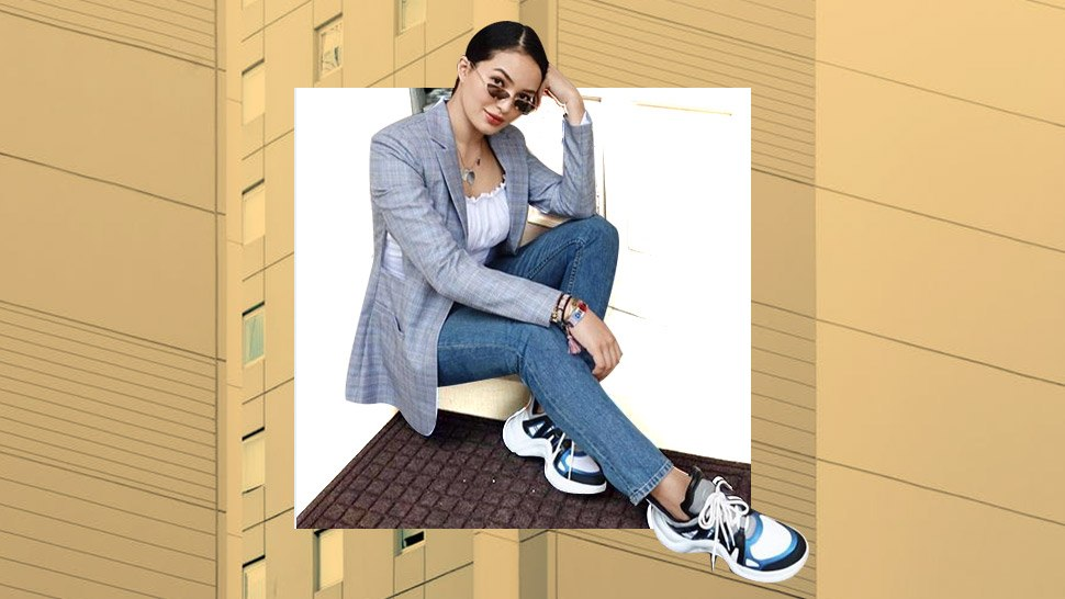 3 Ways To Wear The Blazer And Chunky Sneakers Trend