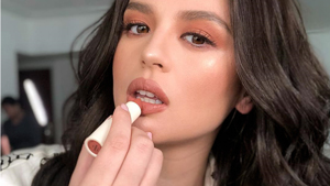 7 Celebrity-approved Ways To Wear Peachy Makeup