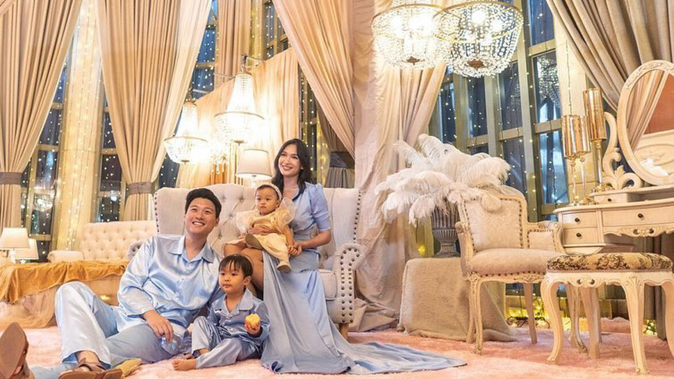 Bea and Eric Dee Threw a Chic Pajama Party for Their Daughter's Birthday