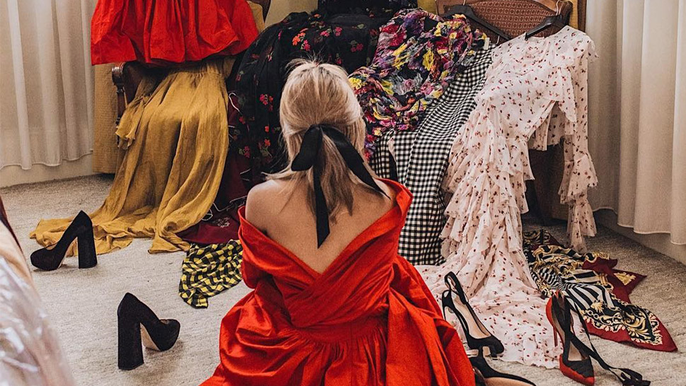 5 Items In Your Closet That You Need To Finally Get Rid Of