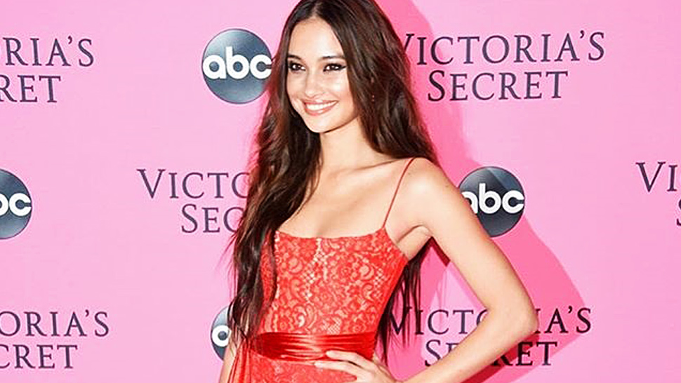 Lotd: Here's What Kelsey Merritt Wore To The Vsfs Viewing Party
