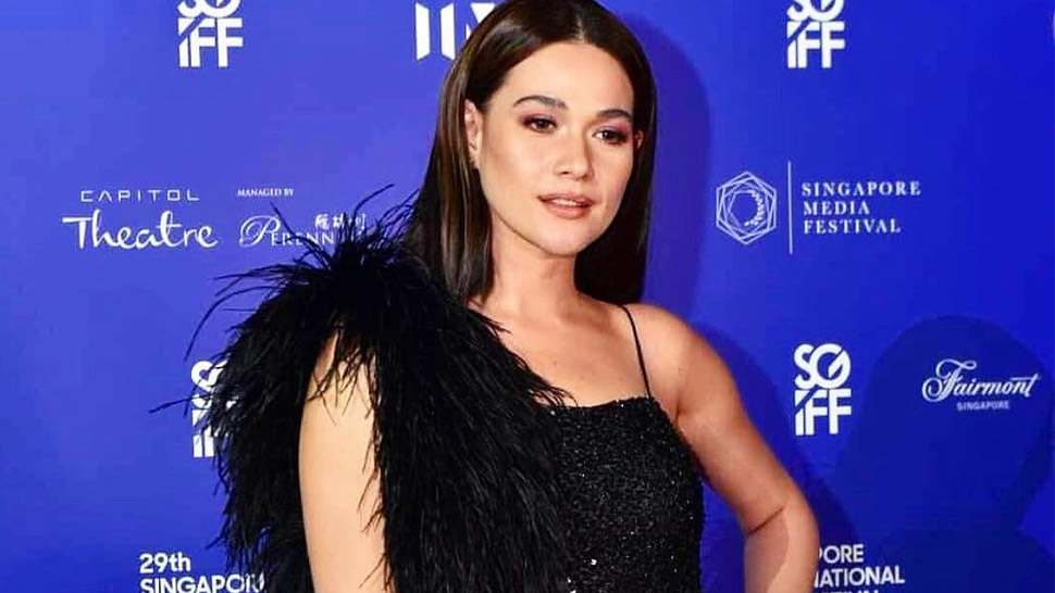 Bea Alonzo Stuns at the 29th Singapore International Film Festival