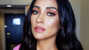 Shay Mitchell Borrowed Anne Curtis' Glam Team To Promote 'you'