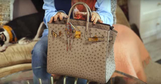 cbfc3fc71452 PHOTO BY YOUTUBE Love Marie Escudero. Heart shows her Hermès bag ...