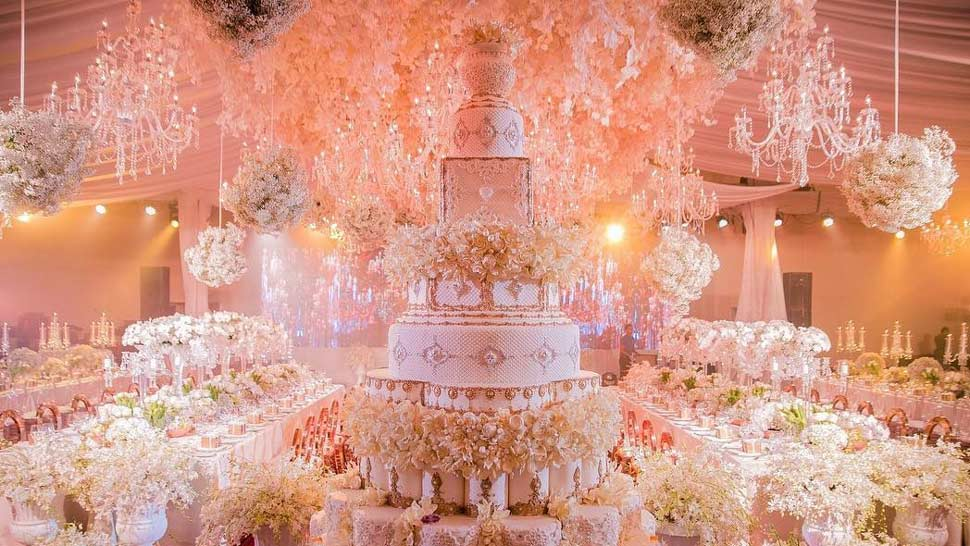 You Have To See This Gigantic Wedding Cake Made By A Local Pastry Chef