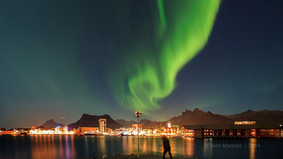 This Filipino Photographer's Photos Of The Northern Lights Will Make You Want To Visit Iceland