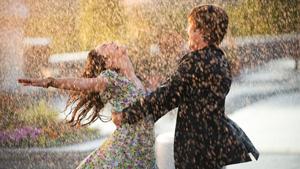 10 Iconic Romantic Movie Scenes We'd Love To Recreate On Valentine's Day