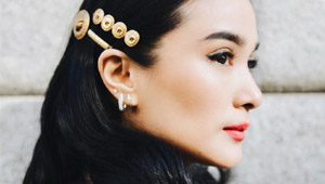 How To Wear Hair Clips, According To Heart Evangelista