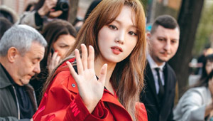 These Stylish Korean Stars Stole The Show At Fashion Week