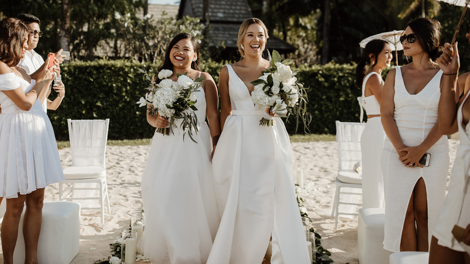 You Have to See This Couple's Gorgeous All-White Beach Wedding