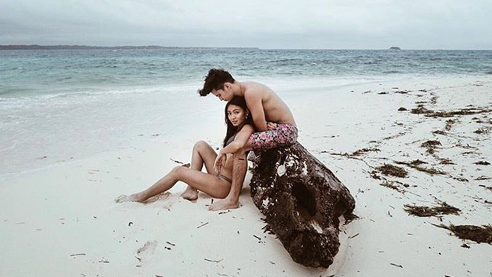 The Sweetest Celeb Couple Beach Photos You Can Recreate With Your S.o.