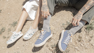 These Lightweight, Durable Sneakers Are Perfect For Traveling
