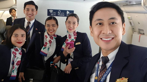 This Filipino Flight Attendant Helped A Woman Give Birth To Twins In-flight