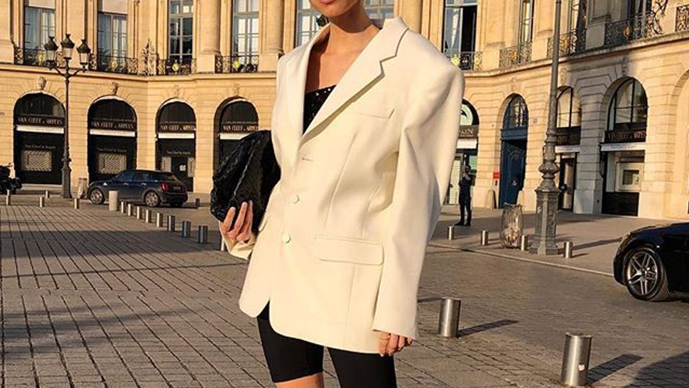 25 Ways to Wear a White Blazer in Your Work OOTDs