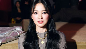 Song Hye Kyo Turned Heads At The Prada Fashion Show In New York