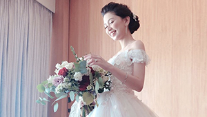 Blogger Crissey Si Was A Gorgeous Floral Bride In Francis Libiran
