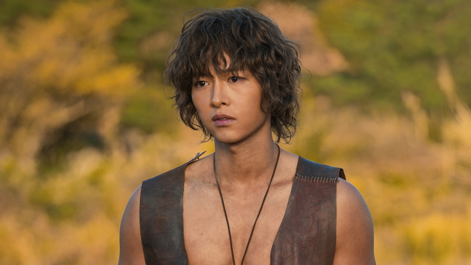 Song Joong-Ki Is Almost Unrecognizable in His Newest K-Drama