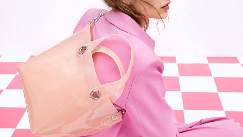 12 Commuter-Friendly Bags That Are Perfect for the Rainy Season