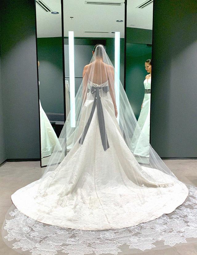 Shopping For Wedding Gowns At Vera Wang Manila