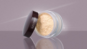 How To Use Laura Mercier's Translucent Loose Setting Powder