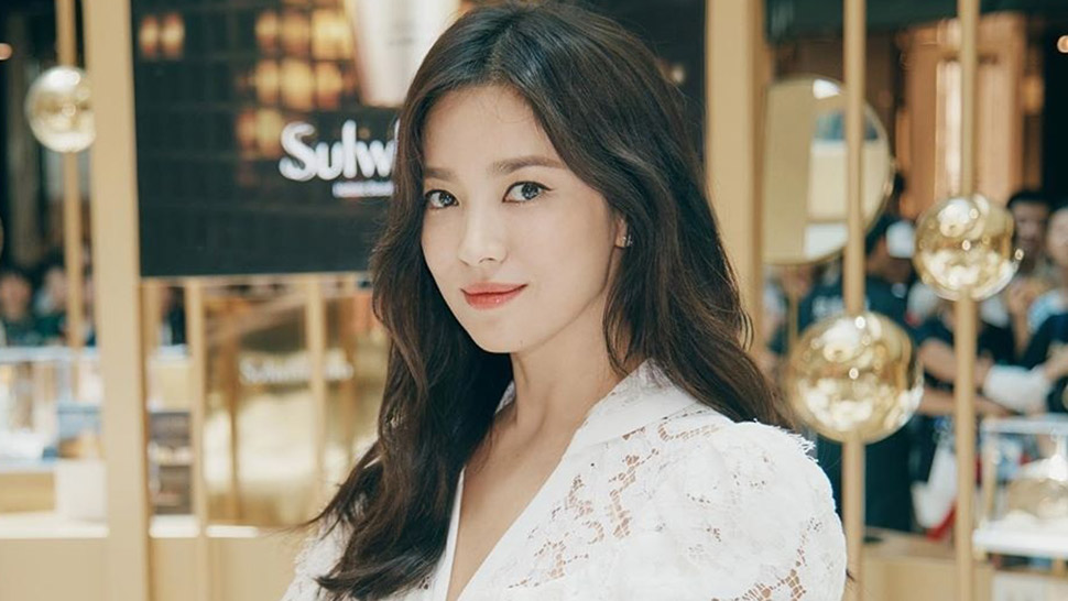 Song Hye Kyo Looks Almost Unrecognizable In This Sultry Makeup Look