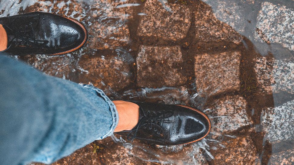 How To Clean Your Shoes On Rainy Days, Depending On The Material
