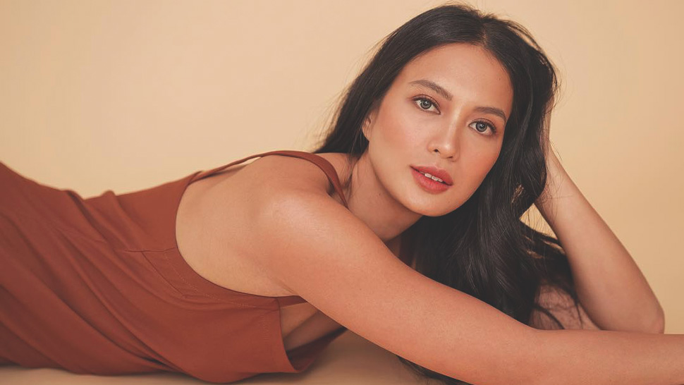 10 Wardrobe Essentials For Dressing Like Isabelle Daza