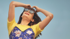 These Cool Sunglasses Have A Built-in Sound System That Lets You Play Music
