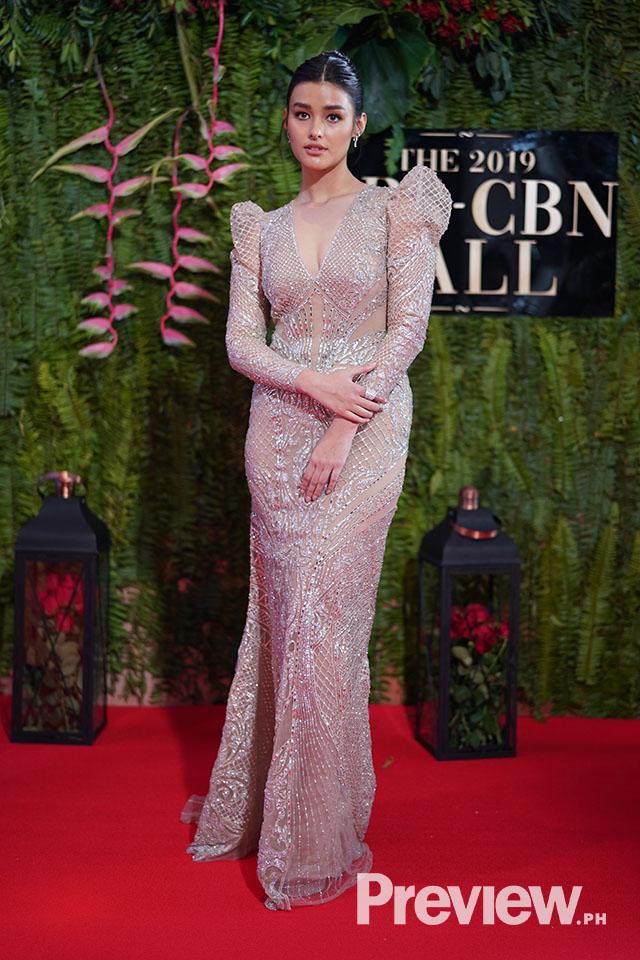 Abs Cbn Ball 2019 Liza Soberano S Barong Tagalog Inspired